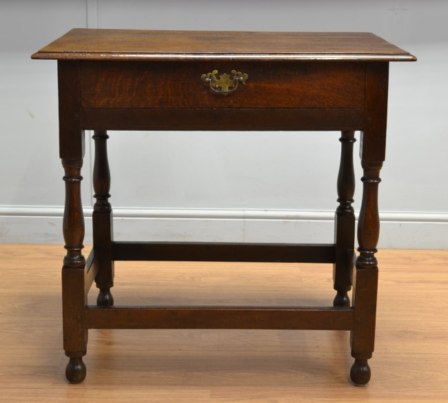 Early Georgian Oak Antique Lowboy / Side Table