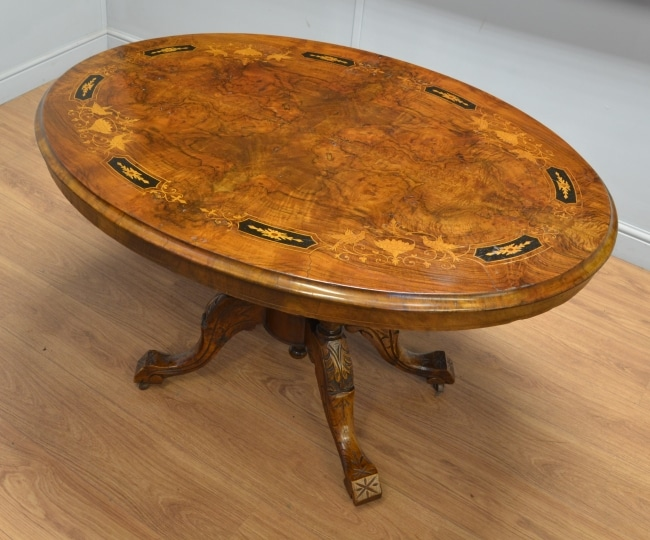 Victorian Inlaid Figured Walnut Oval Antique Loo Table.