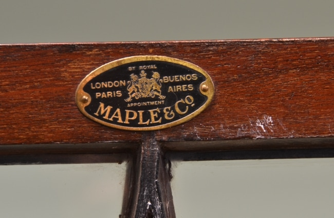 maple & Co display