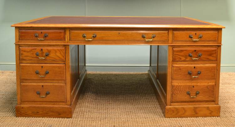 Magnificent Antique Edwardian Quality Oak Partners Desk.