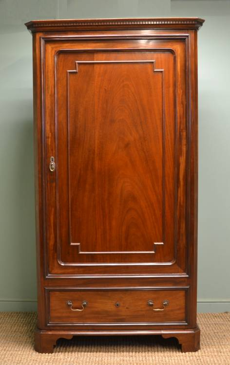 Antique Victorian Mahogany Hall Cupboard / Wardrobe.