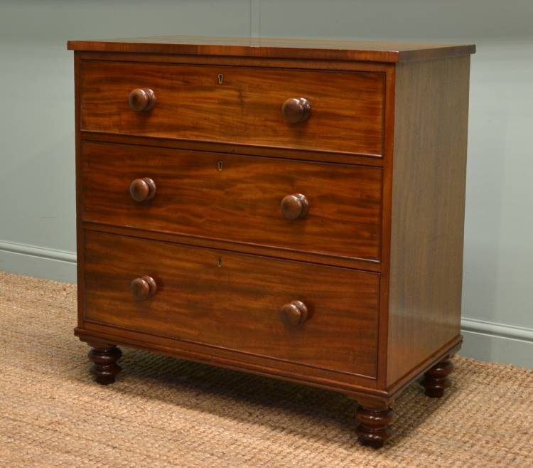 Small, Early Victorian Antique Mahogany Chest of Drawers.