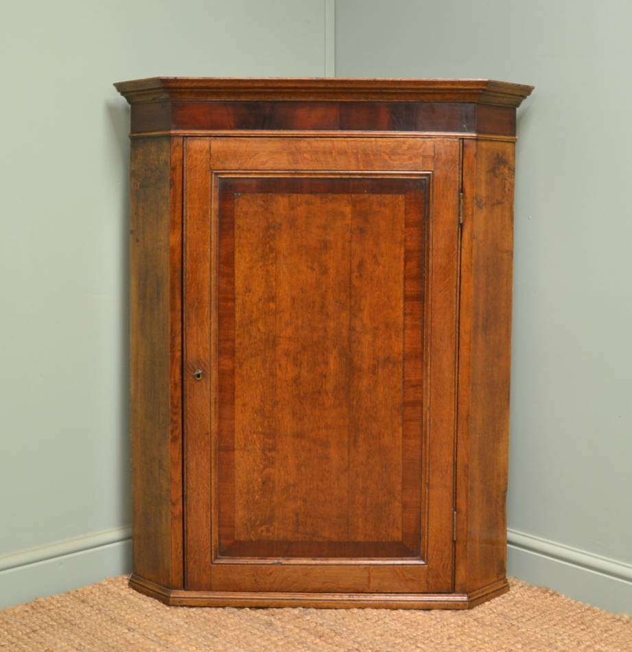 Quality Oak Antique Corner Cupboard with Mahogany Cross Banding. - Antique Corner Cupboards - Antiques World