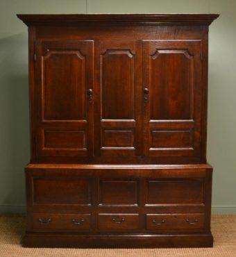 Georgian Period Antique Oak Livery Cupboard / Harness Cupboard.