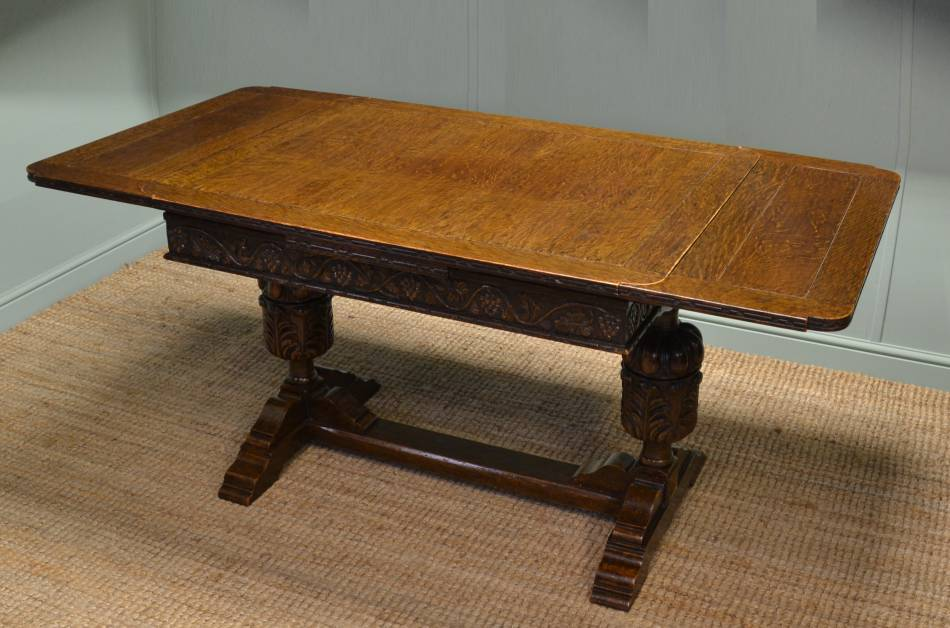 Quality Edwardian Oak Draw Leaf 'Pineapple' Antique Dining Table