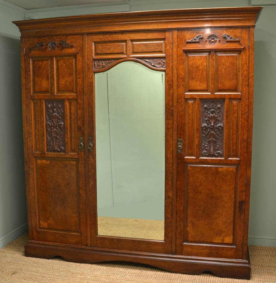 Magnificent Quality Pollard Oak Antique Triple Wardrobe.