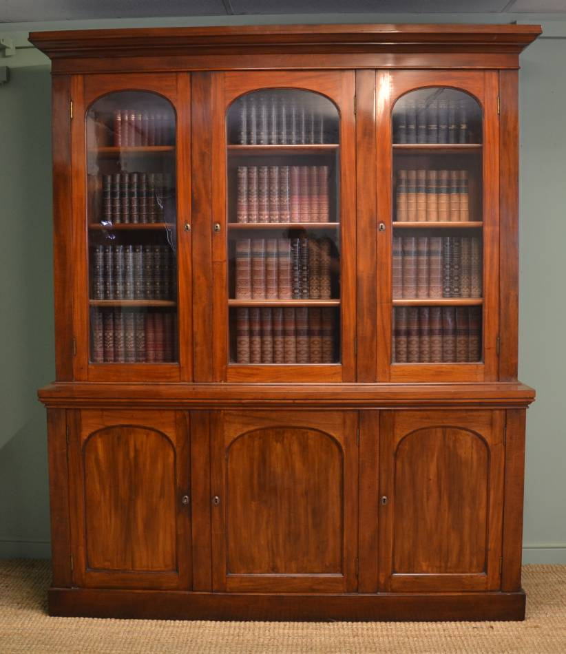Magnificent Quality Large Victorian Mahogany Antique Low Waisted Library Bookcase.