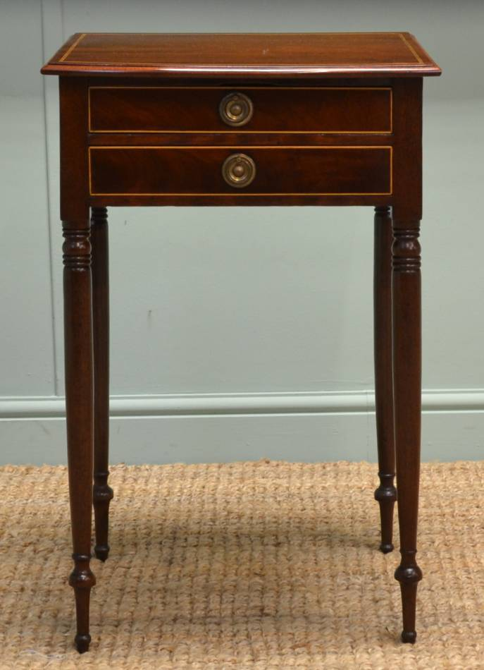 Regency Mahogany Bow Fronted Antique Side Table / Hall Table.