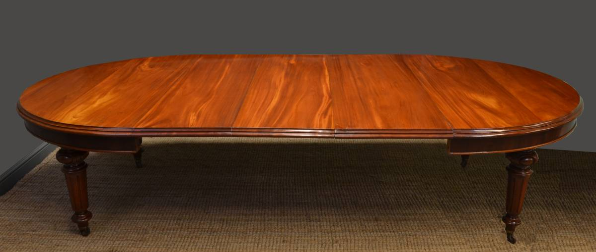 Large Quality Mahogany Antique Victorian Extending Dining Table