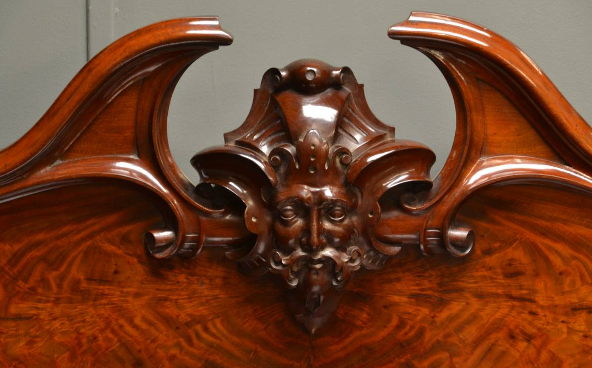 Large, Superb Quality Victorian Flamed Mahogany Antique Sideboard.
