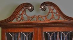 Swan Neck Pediment