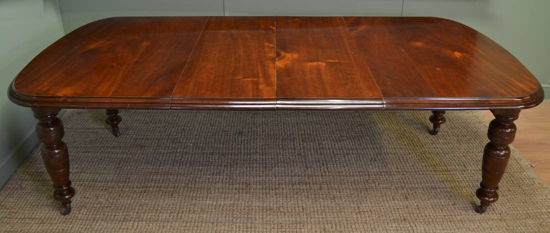 Quality Victorian Walnut Antique re-polished Wind-Out Dining Table