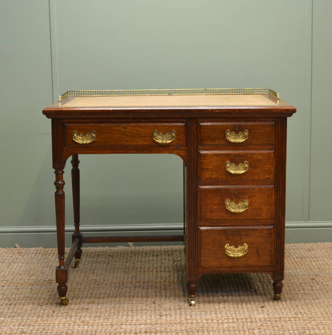 Edwardian Quality Solid Oak Antique Desk