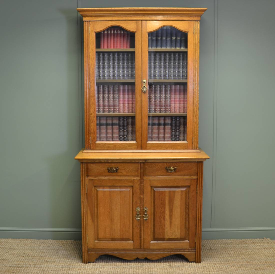 Stunning Quality Victorian Golden Oak Antique Bookcase.