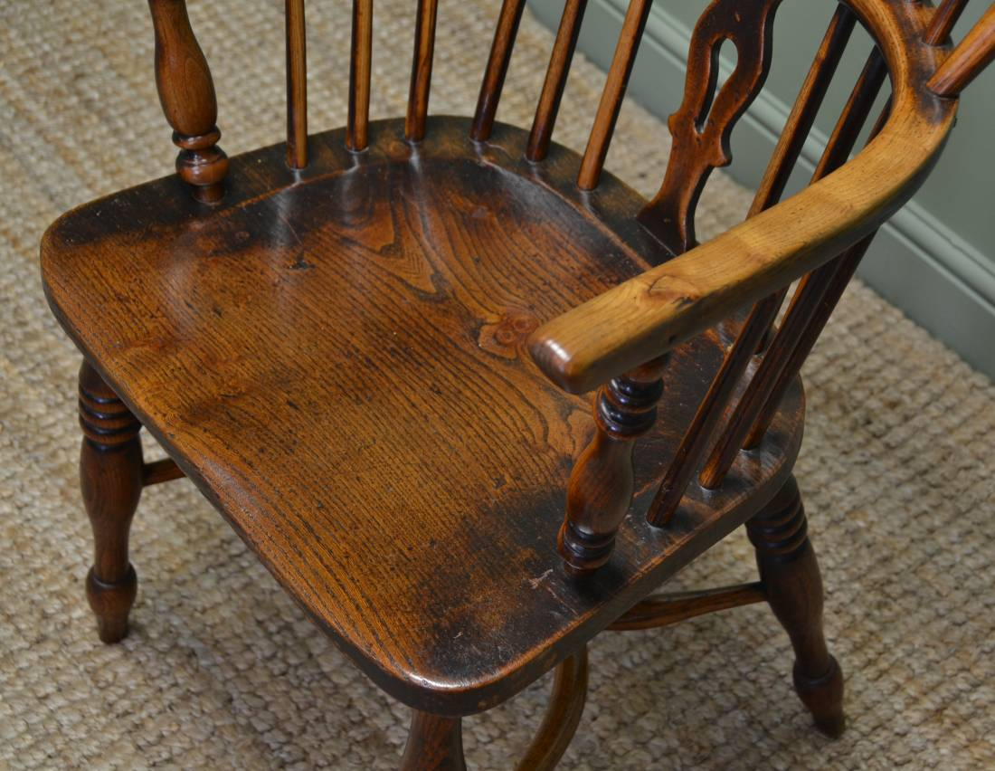 ... Ash and Elm Antique Windsor Chair ... & Antique Windsor Chair - Antiques World