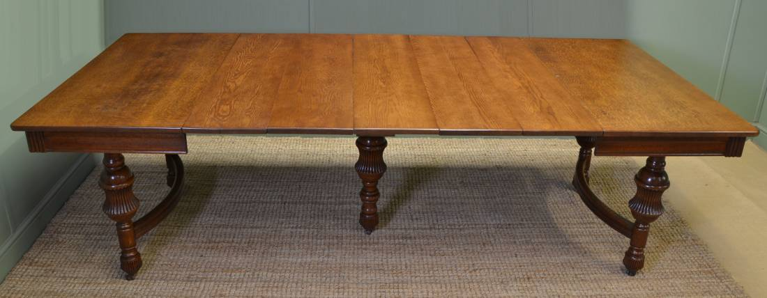 Large Solid Oak French Antique Victorian Extending Dining Table