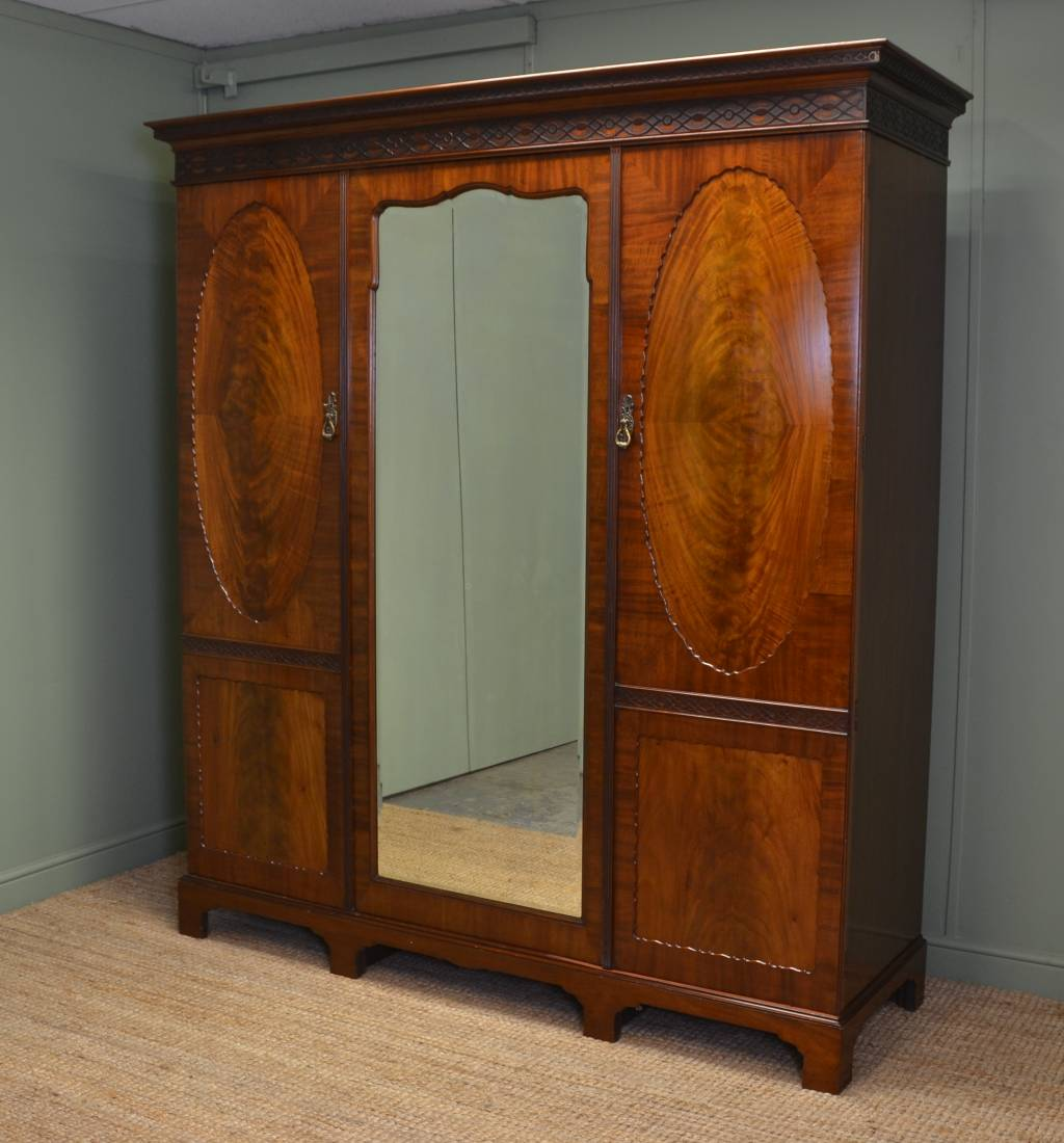 Magnificent Quality Maple & Co Edwardian Mahogany Triple Wardrobe