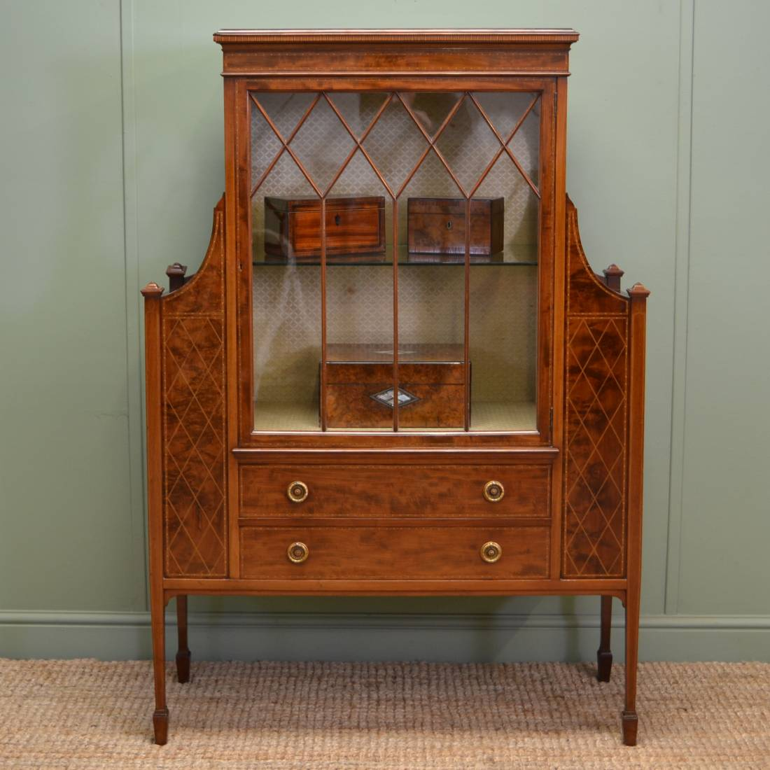 Magnificent Quality Gillows Victorian Mahogany Antique Display Cabinet