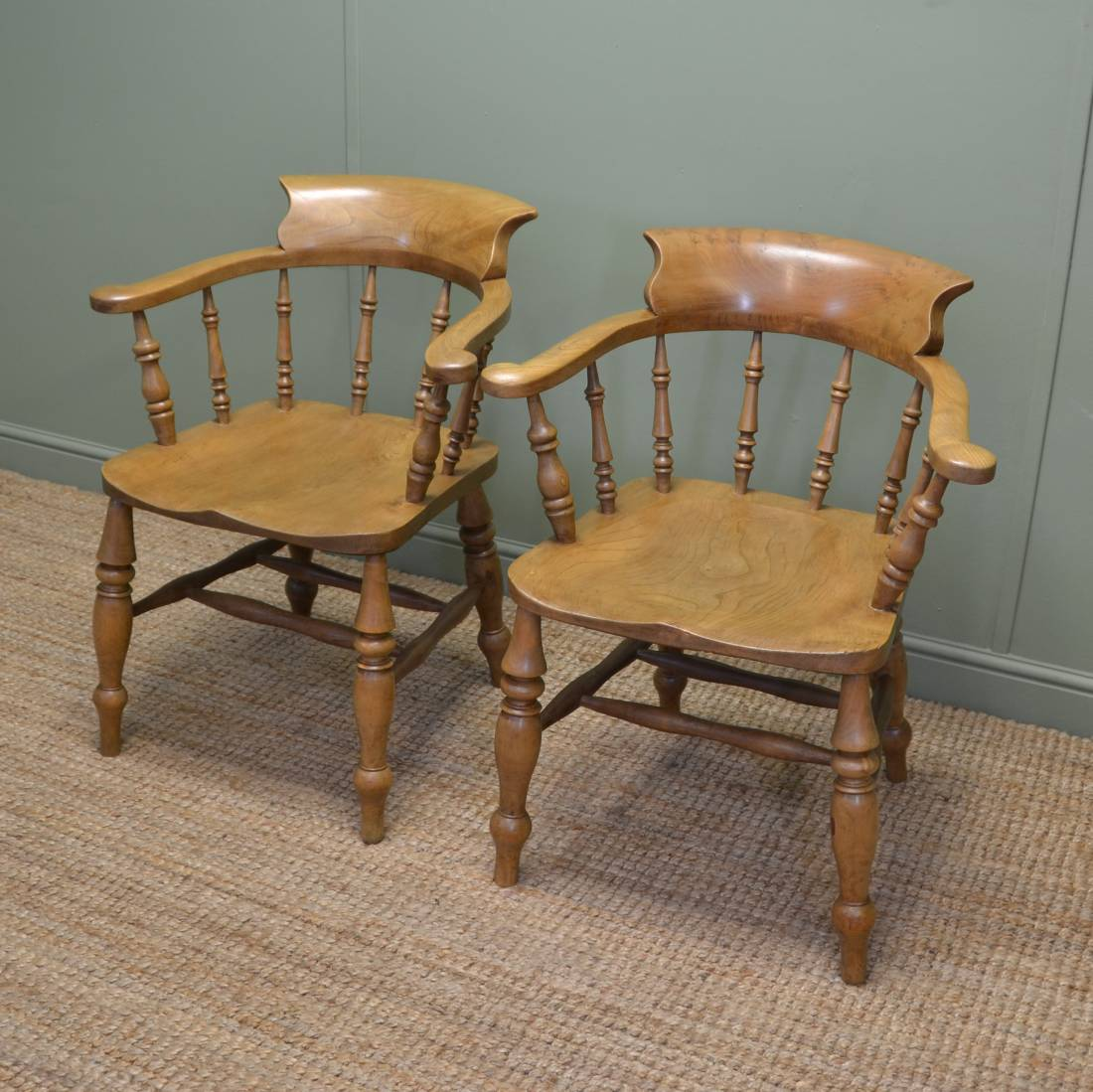 Pair of victorian country elm antique smokers bow chairs for Elm furniture