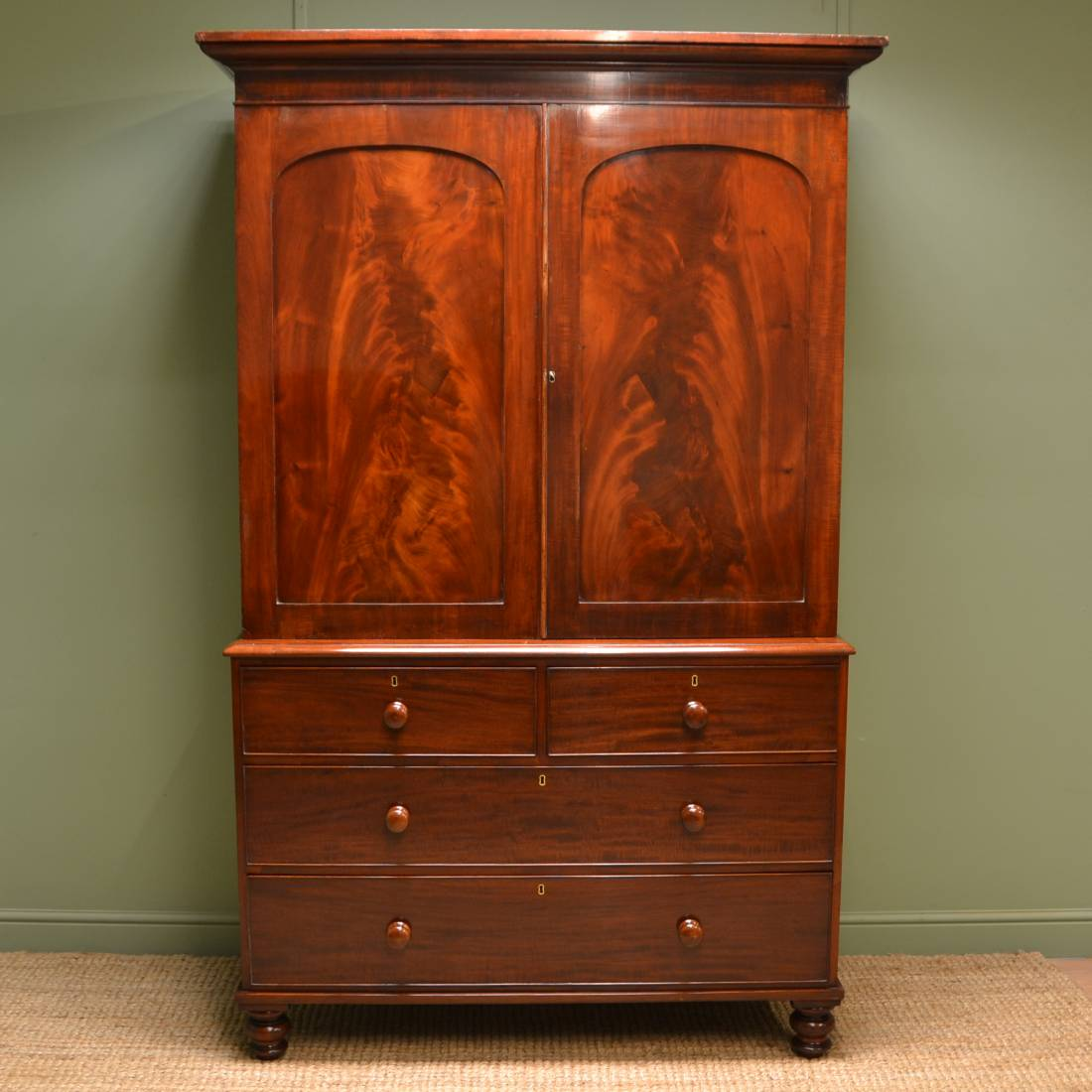 Quality figured mahogany antique regency linen press for Linen press