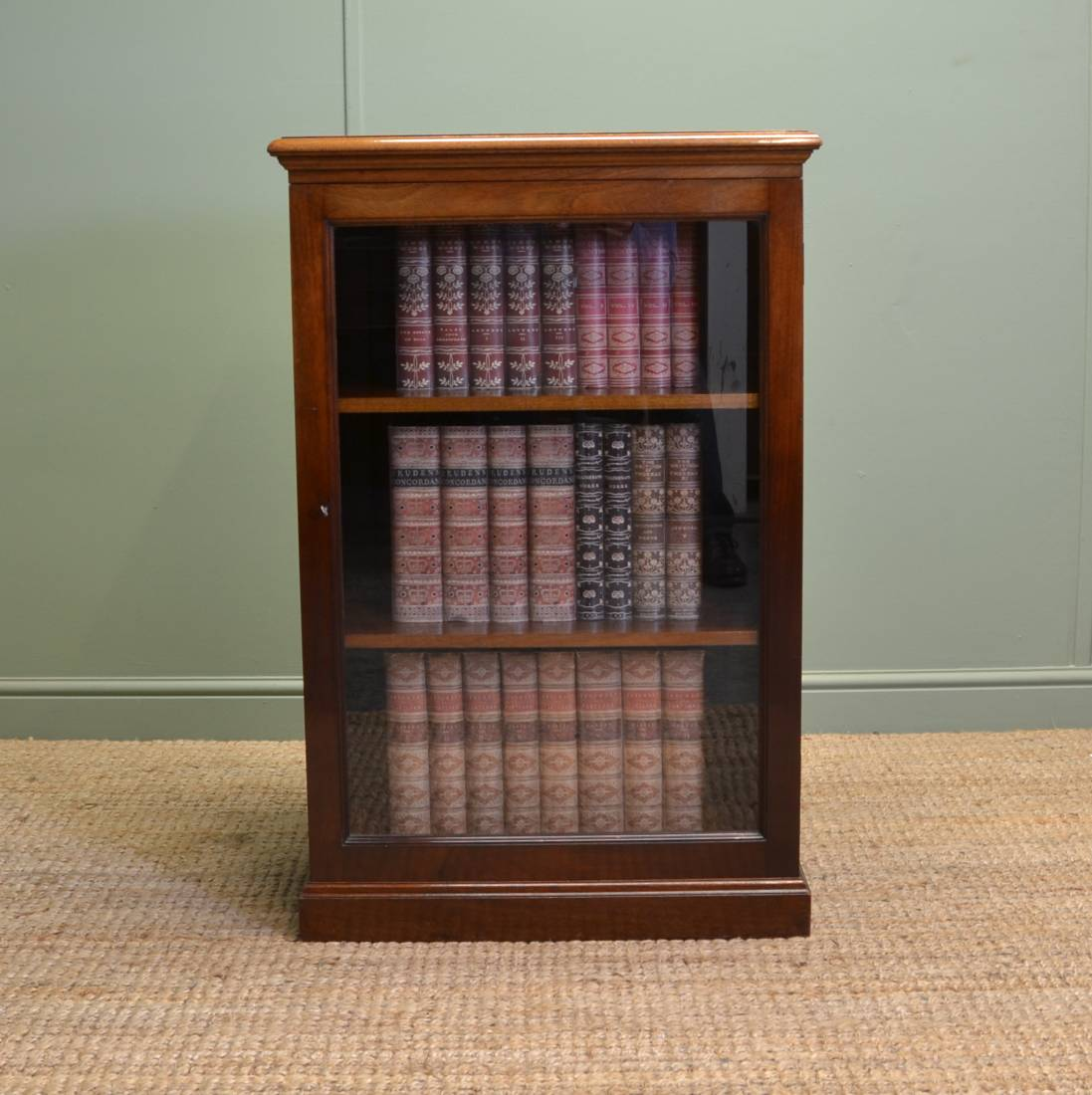 Unusual victorian antique mahogany shop display cabinet for Antique display cabinet