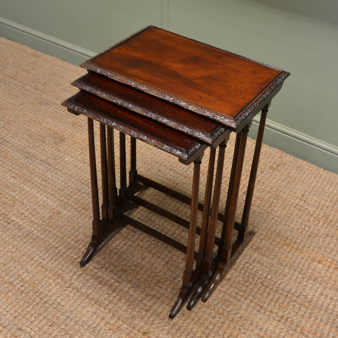Quality Edwardian Mahogany Maple & Co Antique Nest Of Tables