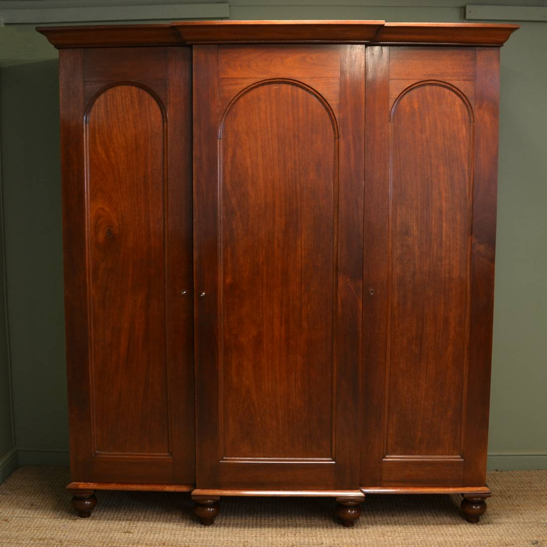 Magnificent quality William IV Breakfront Antique Triple Wardrobe