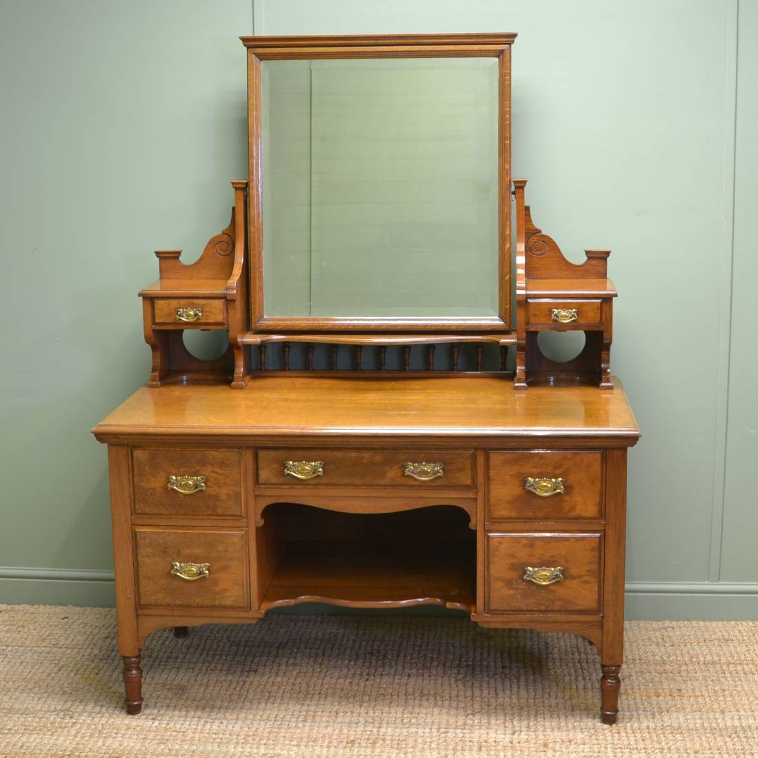 Quality solid oak victorian antique dressing table