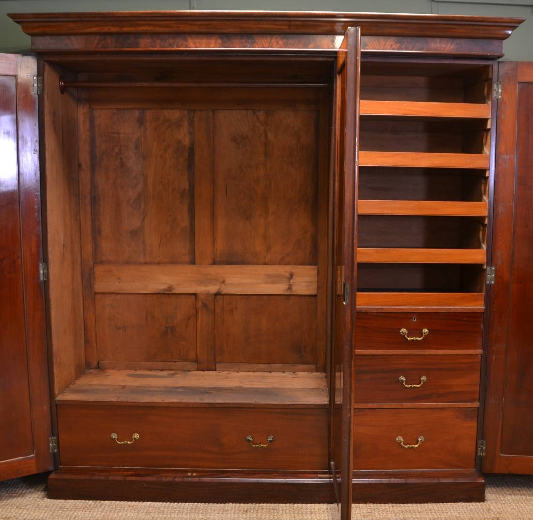 Spectacular Quality Figured Mahogany Early Victorian