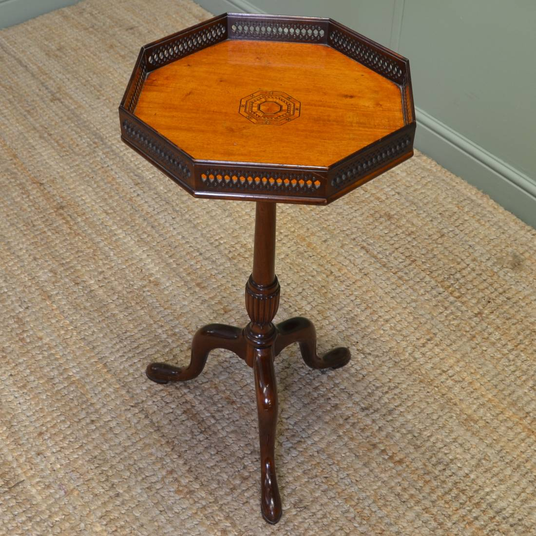 Spectacular Quality Mahogany Inlaid Edwardian Antique Occasional Table