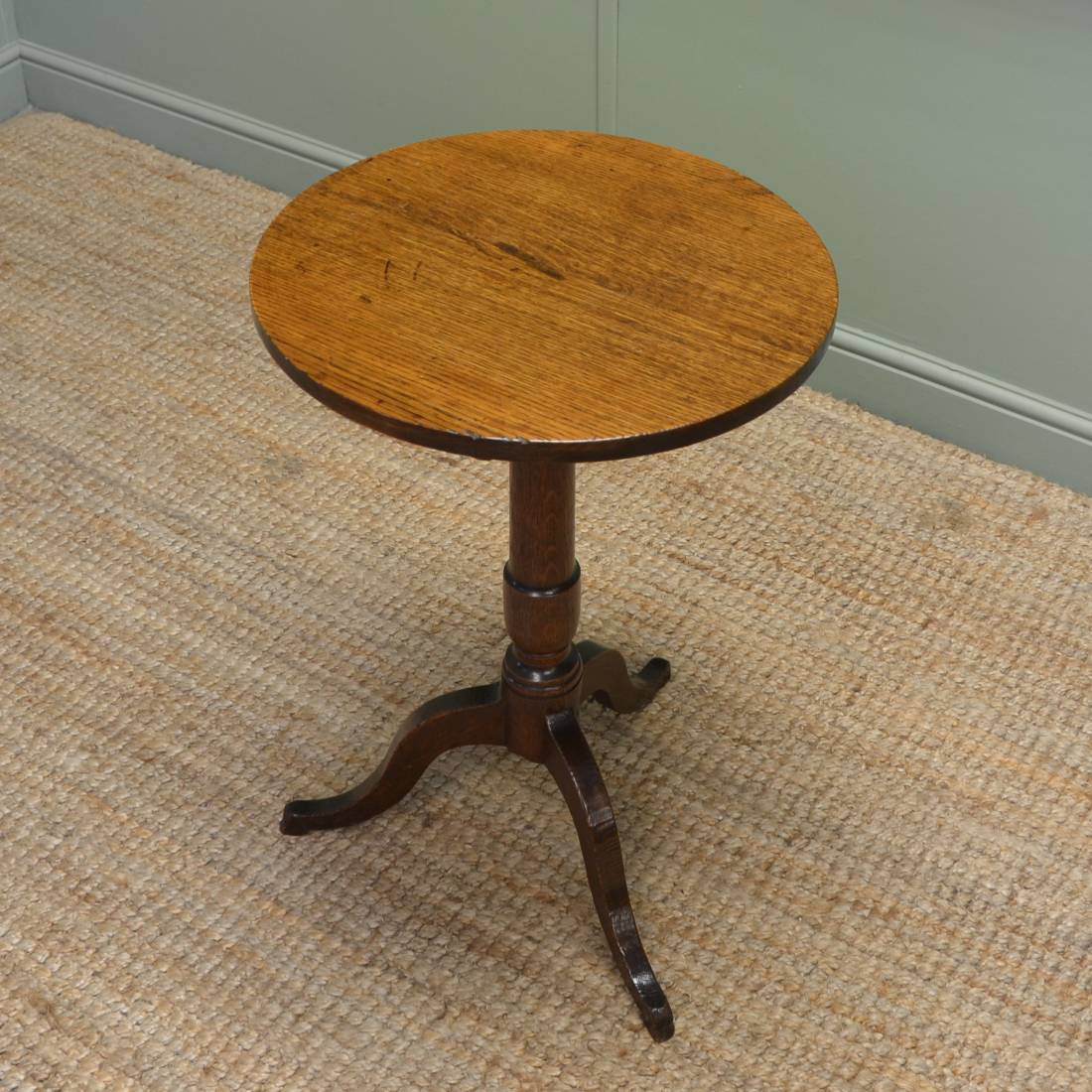 Small country oak georgian antique tripod occasional table for Small occasional tables