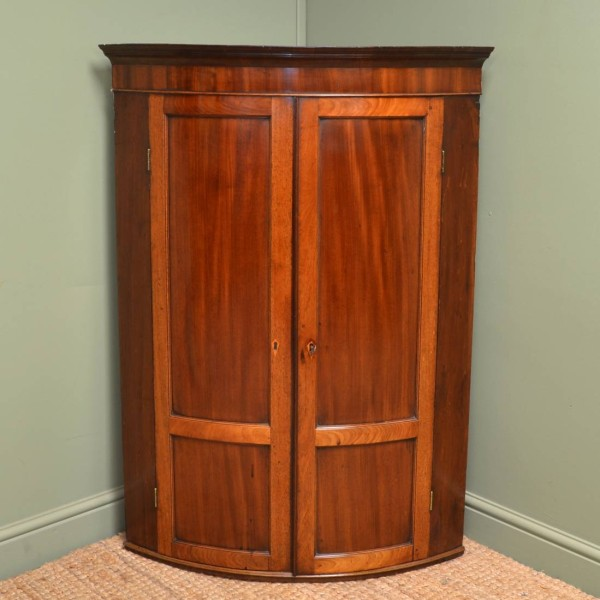 Elegant Bow Fronted Georgian Figured Mahogany Antique Wall Hanging Corner Cupboard