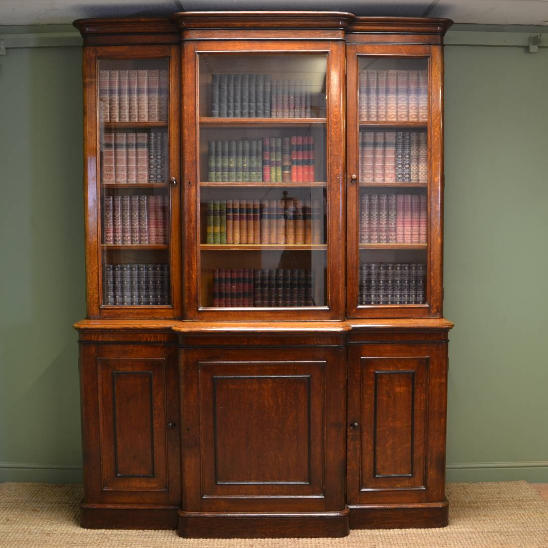 Victorian Library Room: Large Victorian Oak Antique Break Fronted Library Bookcase