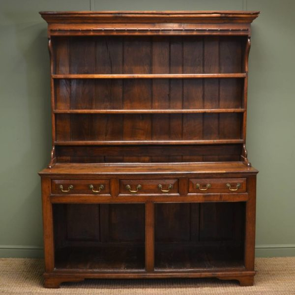 Characterfull Period Eighteenth Century Georgian Oak Antique Dresser