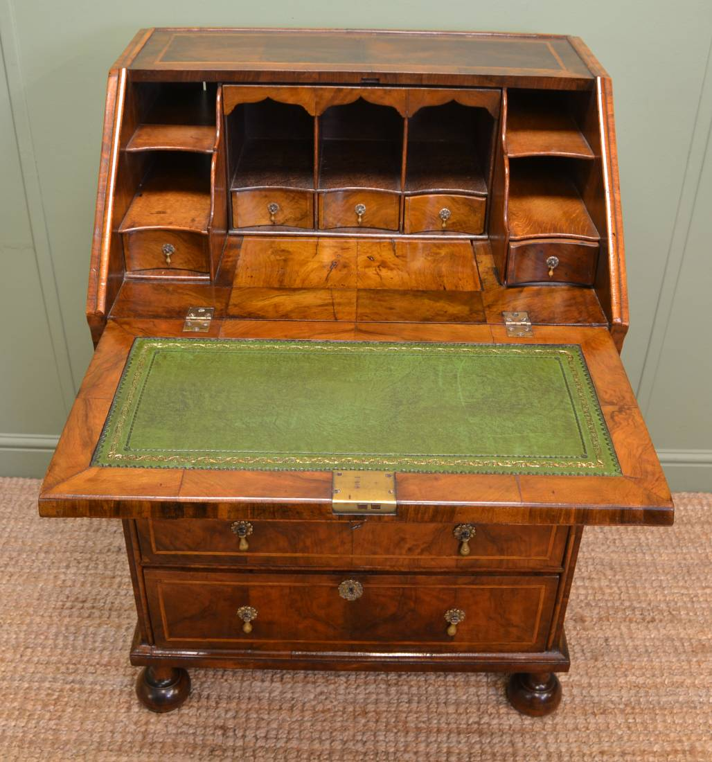 Queen Anne Figured Walnut & Feather Banded Bureau interior