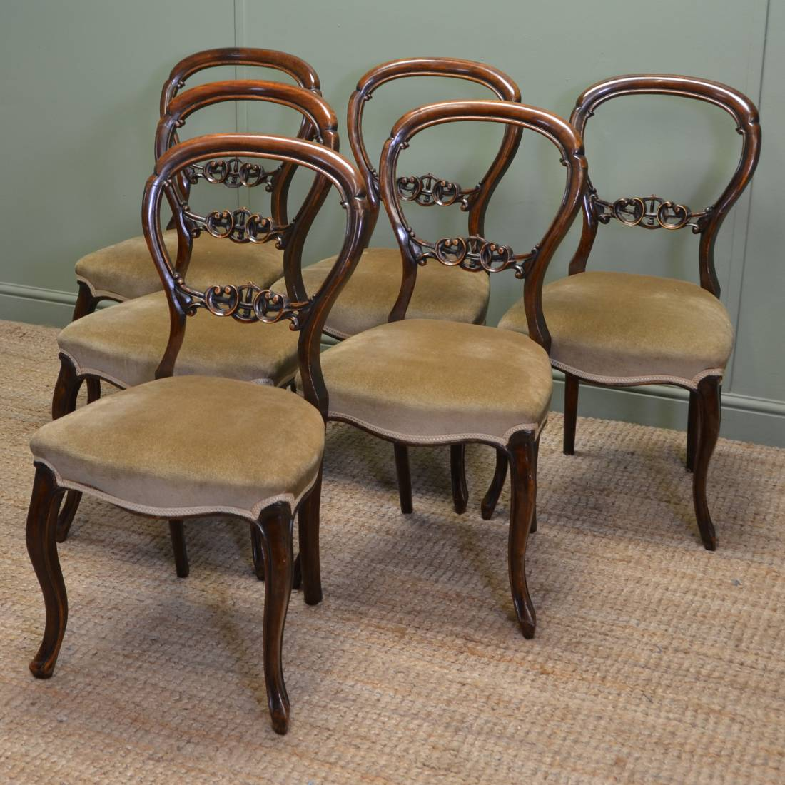 Beautiful Fine Set Of Six Solid Walnut Victorian Antique Balloon Back Chairs