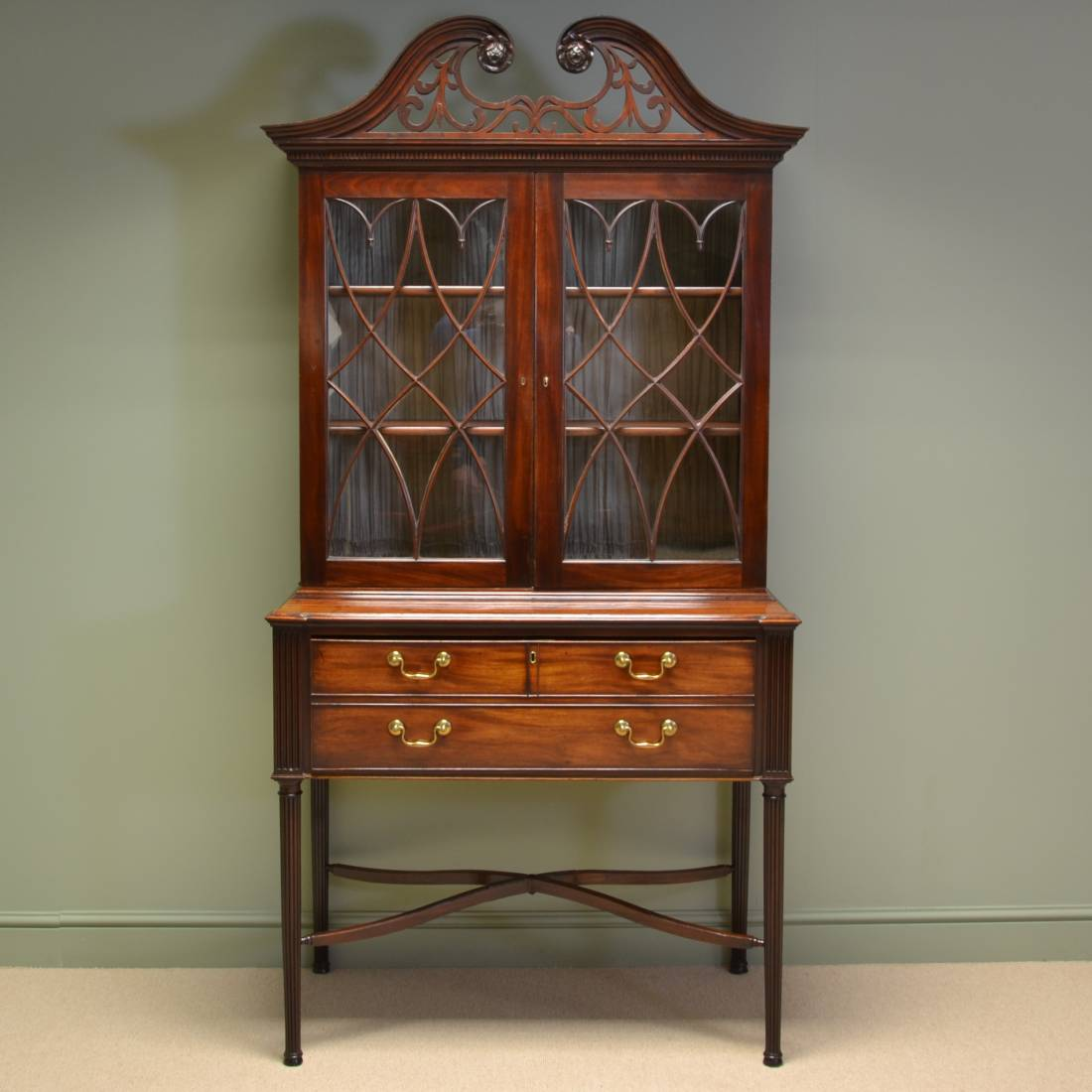 Magnificent Georgian Gillows Mahogany Antique Secretaire / Bookcase