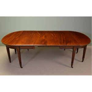 Large Victorian Mahogany Antique Gillows Design Extending Dining Table
