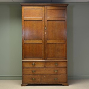 Large Georgian Golden Oak Antique Linen Press / Cupboard / Wardrobe