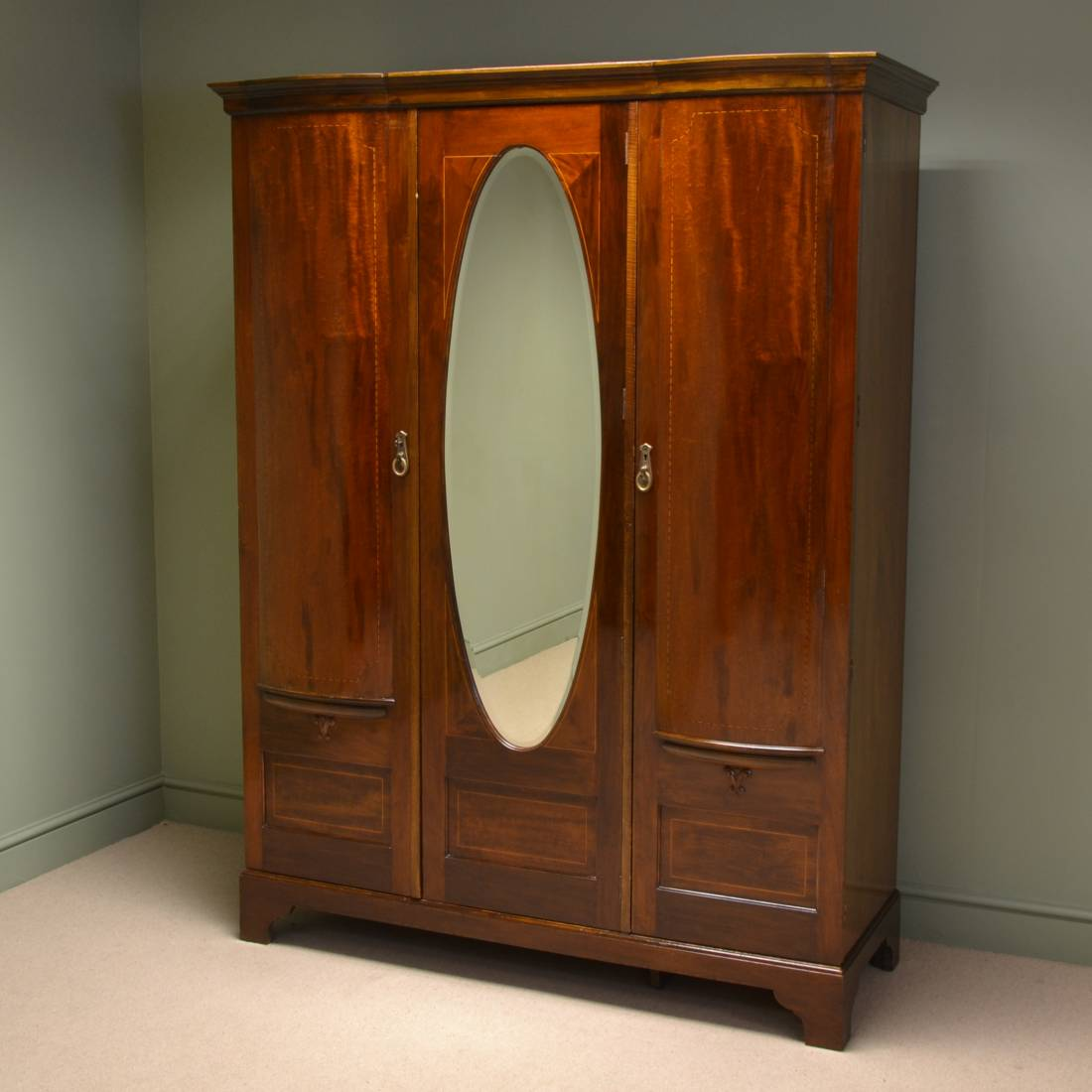Stunning Maple & Co Inlaid Edwardian Antique Wardrobe. - Maple & Co Antique Furniture - Antiques World