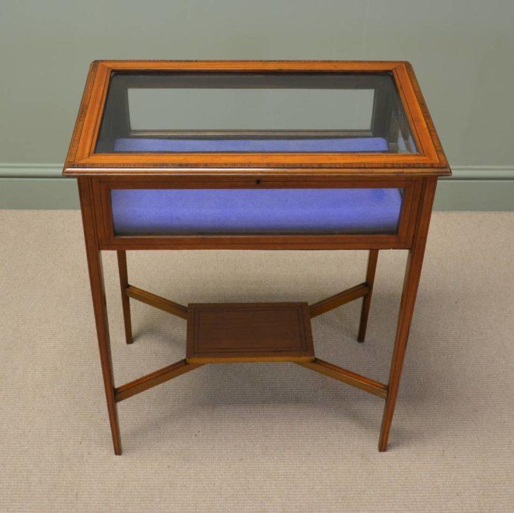 Elegant Small Satinwood Edwardian Bijouterie / Jewellery Table