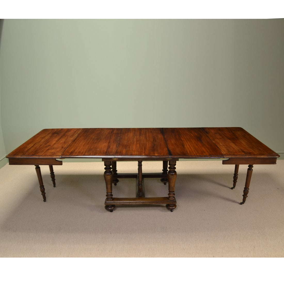 victorian solid french walnut antique extending dining table antiques world. Black Bedroom Furniture Sets. Home Design Ideas