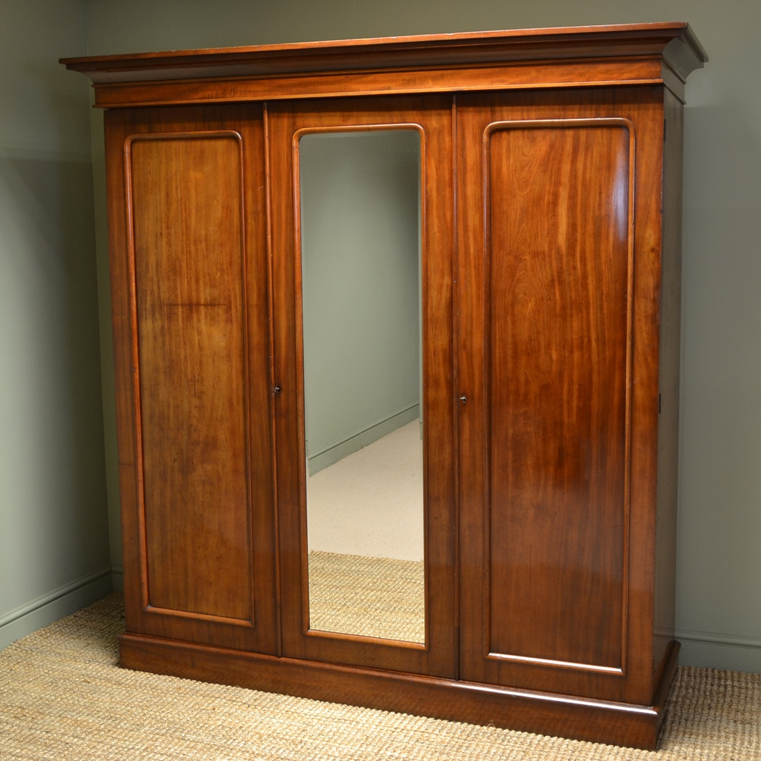 Central Coast Kitchens And Wardrobes Home: Quality Victorian Mahogany Antique Triple Wardrobe