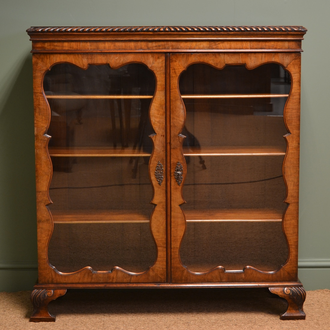 Edwardian Figured Walnut Antique Display Cabinet with gadrooning
