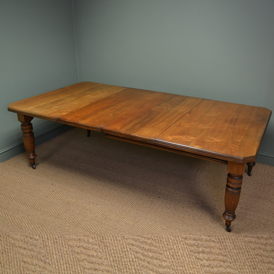 Antique Dining Tables ~ Victorian walnut country house antique extending dining