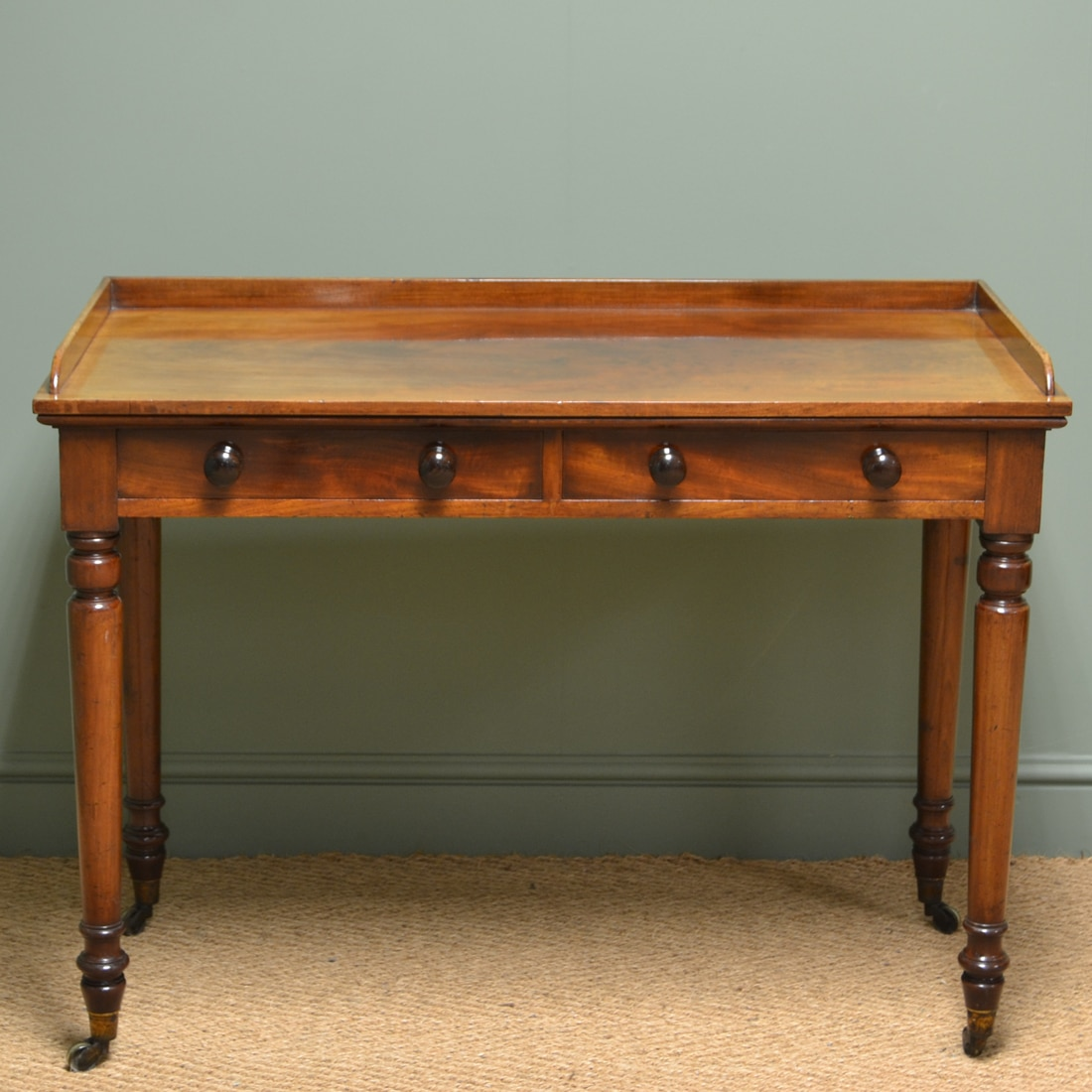 Quality victorian mahogany antique side writing table