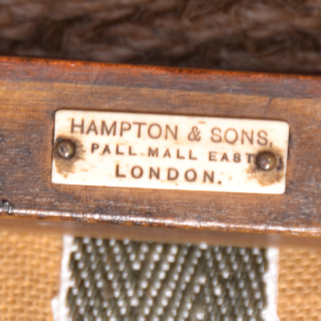 Hampton & Sons label Pall Mall East London ca. 1880