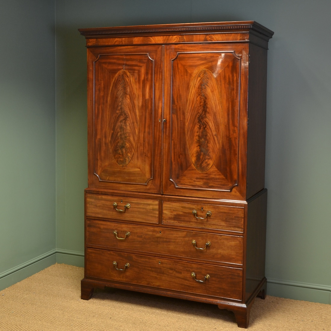 George iii figured mahogany antique linen press antiques for Linen press