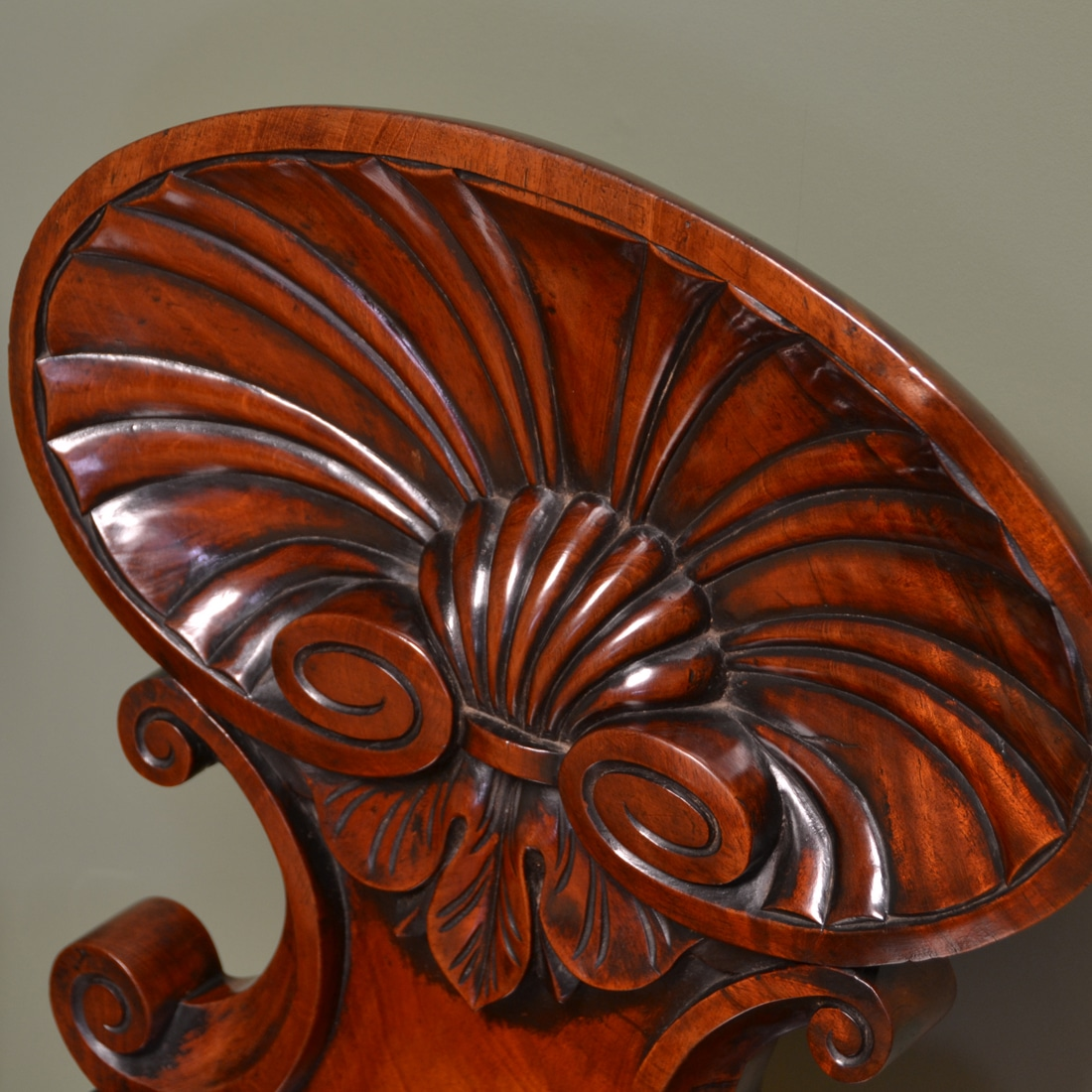 Spectacular gillows design early victorian shell carved