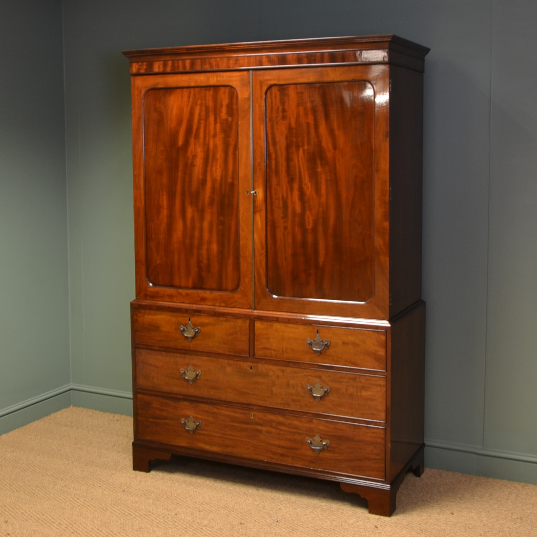Beautifully figured victorian mahogany antique linen press for Linen press